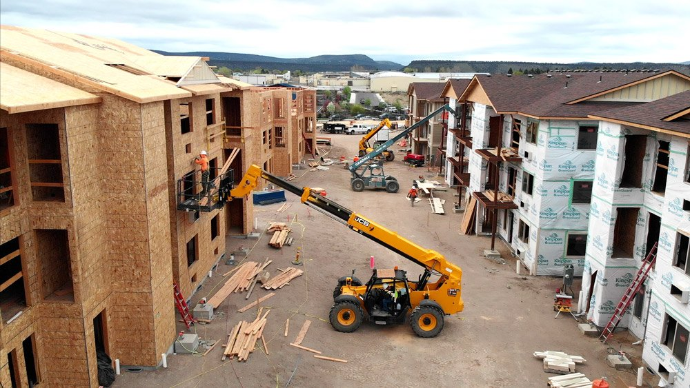 Prineville Apartment Complex under construction